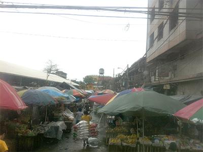 マニラ市場2.jpg