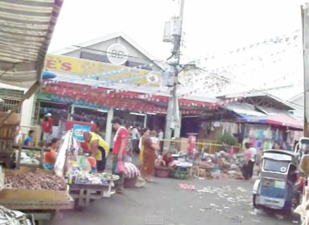 ターラック市場.jpg