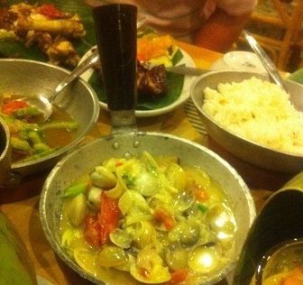 フィリピン料理アサリ.jpg
