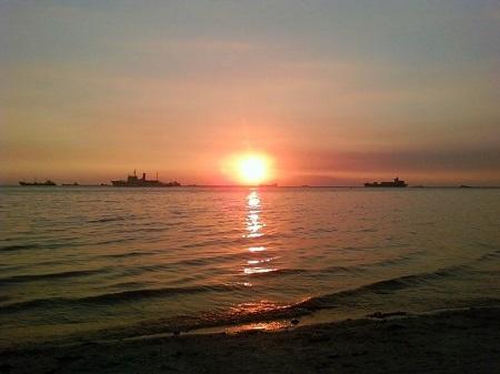 マニラ湾の夕日.jpg