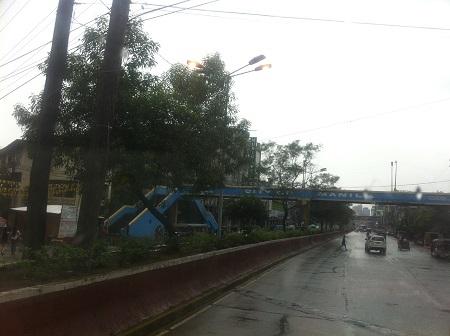 マニラ道路2.jpg